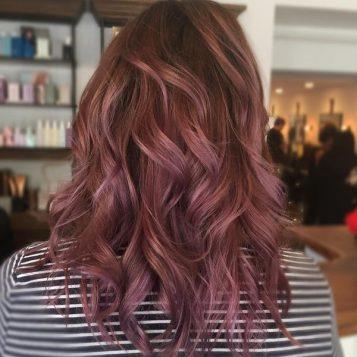 Couleur violet cheveux fonce