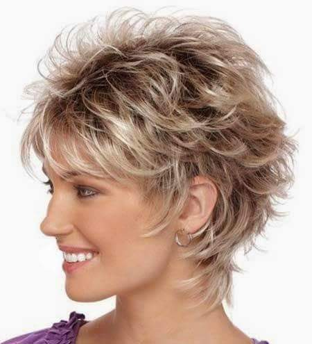 Coupe cheveux frises tres courts