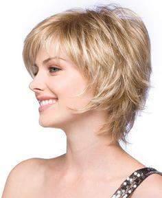Coiffure cheveux courts et ondules