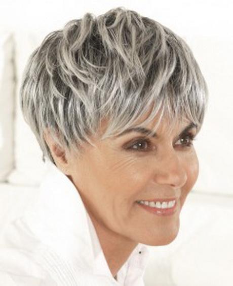 Coupe courte cheveux gris et blanc